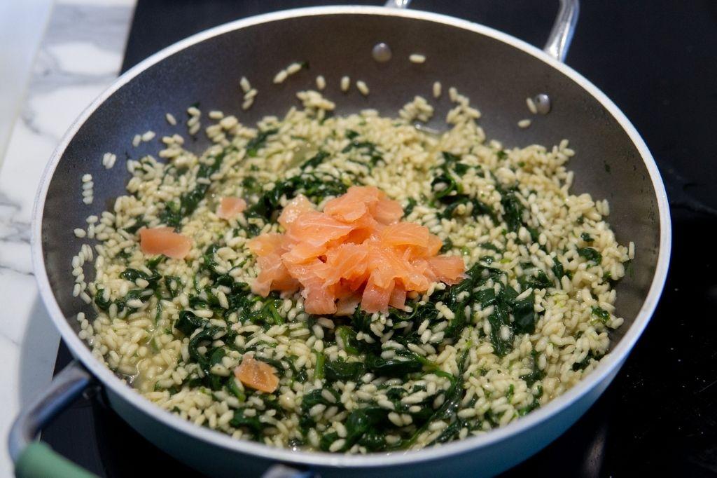 riso con spinaci e salmone