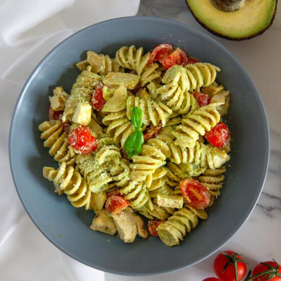 Pasta con avocado